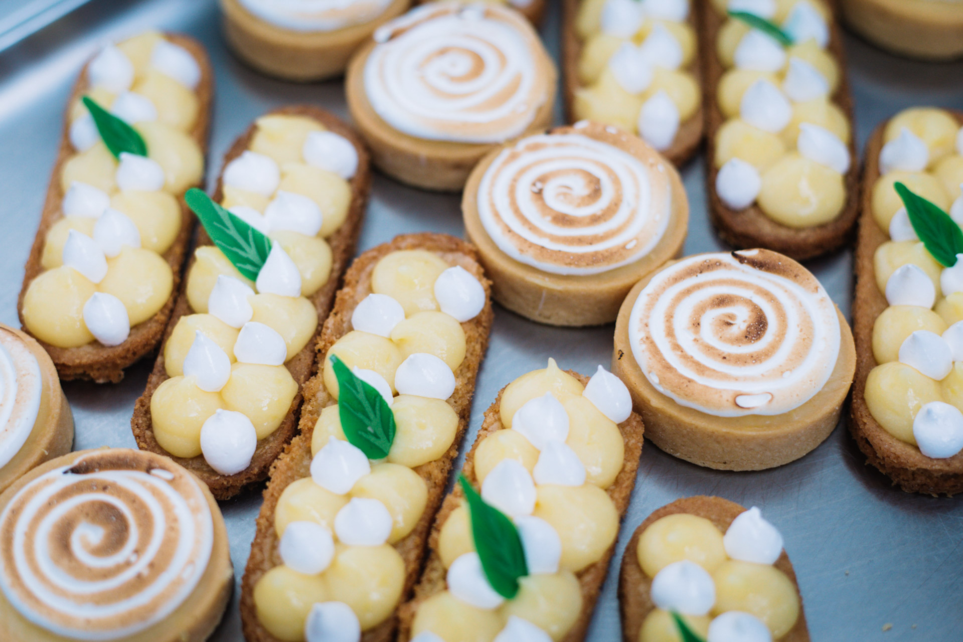 lemon pastries on a dessert during a networking lunch during MAPIC buffet