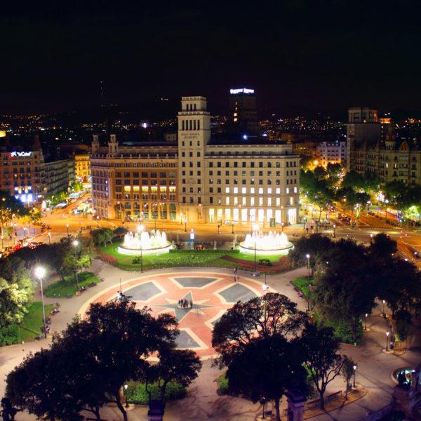 Plaza d'espanya by night