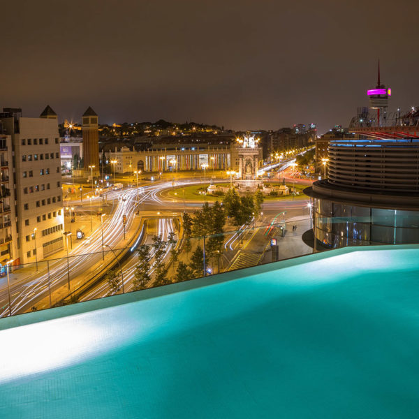 Mwc accommodation placa de espanya by night