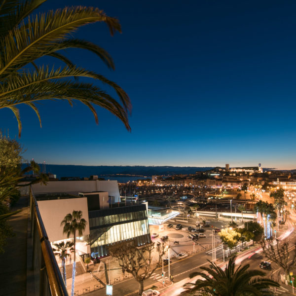 Night view from the penthouse facing le palais des festivals